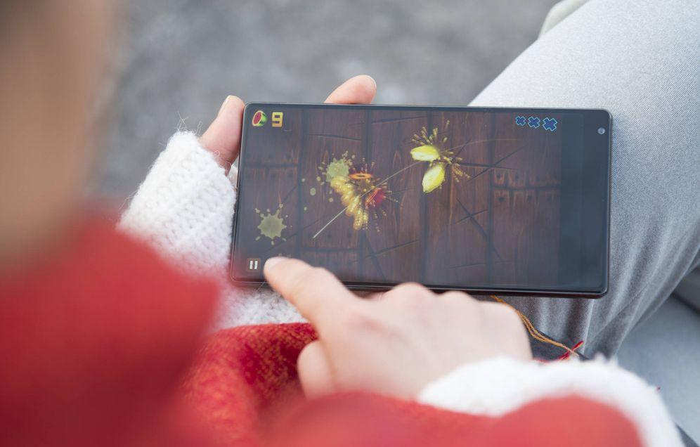 Foto: El Xiaomi Mix: el 91% es todo pantalla. (Foto: Zigor Aldama)