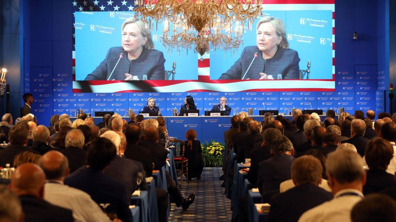 Hillary Clinton, durante una conferencia en Italia. (EFE)