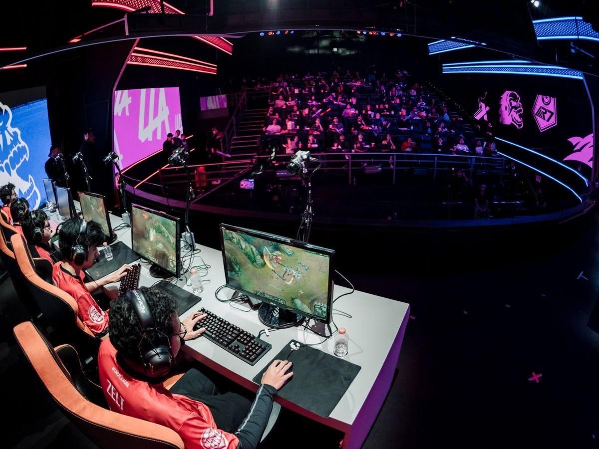 Foto: Los mejores mandos, volantes y accesorios para consolas y PC gaming (EFE/Riot Games)