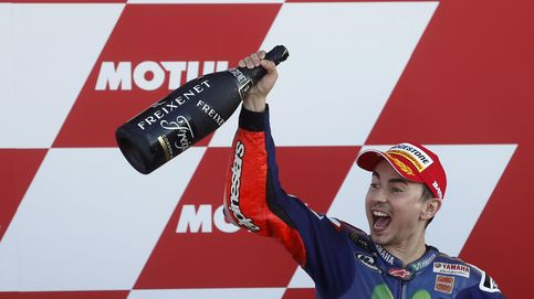 Lorenzo gana con justicia un Mundial que Rossi califica como no verdadero