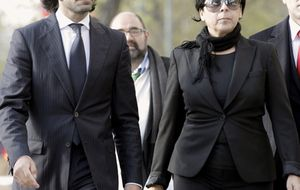 Foto: La familia Morente a su llegada a los juzgados