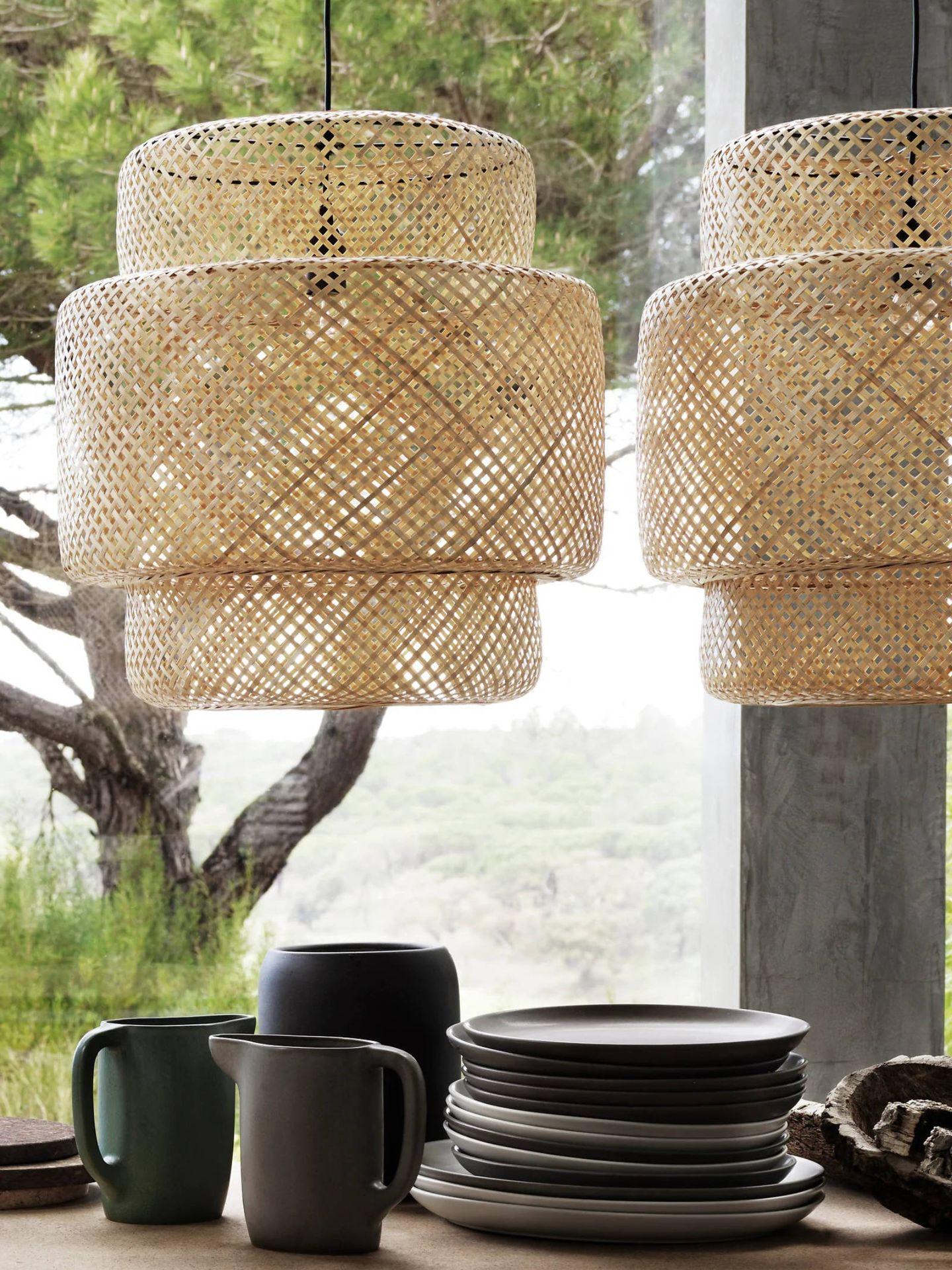 Lámpara de bambú de Ikea. (Cortesía)