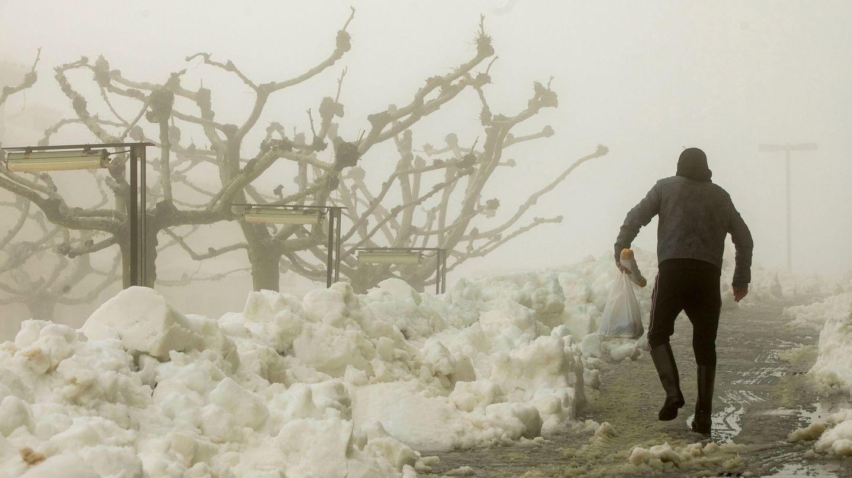 Una gran nevada ha cubierto las comarcas de Els Ports y El Maestrat, en el norte de la provincia de Castellón (EFE)