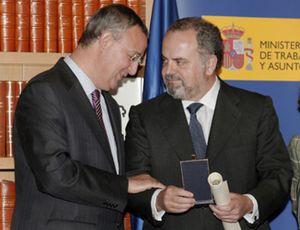 Polanco recibe la Medalla del Trabajo a título póstumo