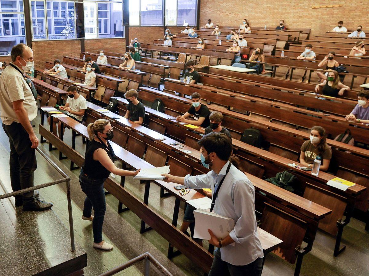 Foto: Una clase de la Universidad de Barcelona. (EFE)