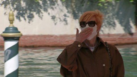 El look de incógnito de Tilda Swinton a su llegada al Festival de Venecia