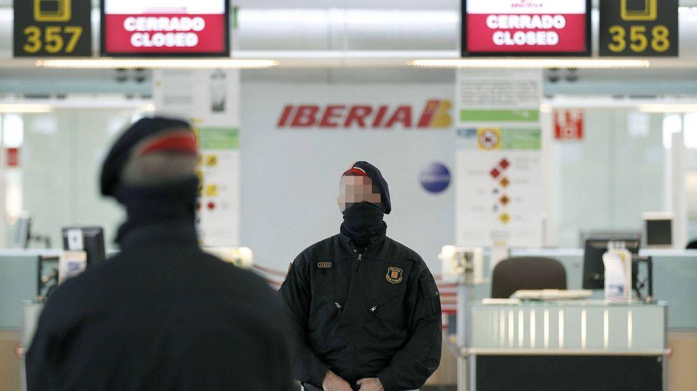 Foto: Mostradores de facturación de Iberia en El Prat. (EFE)