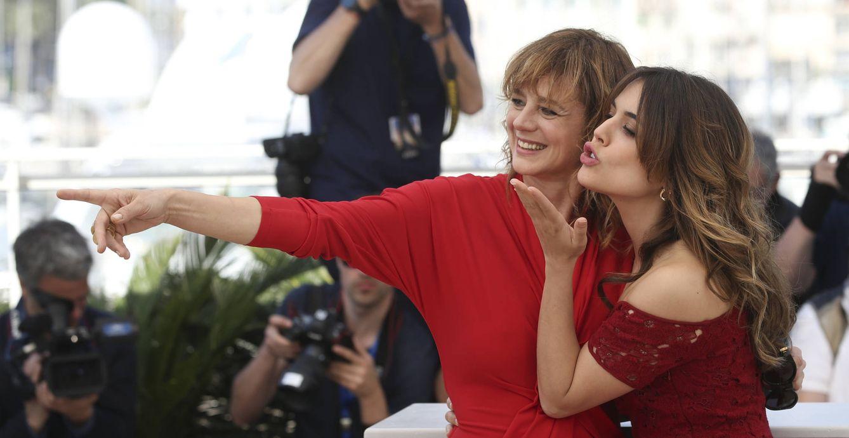 Foto: Adriana Ugarte y Emma Suárez en Cannes (Gtres)