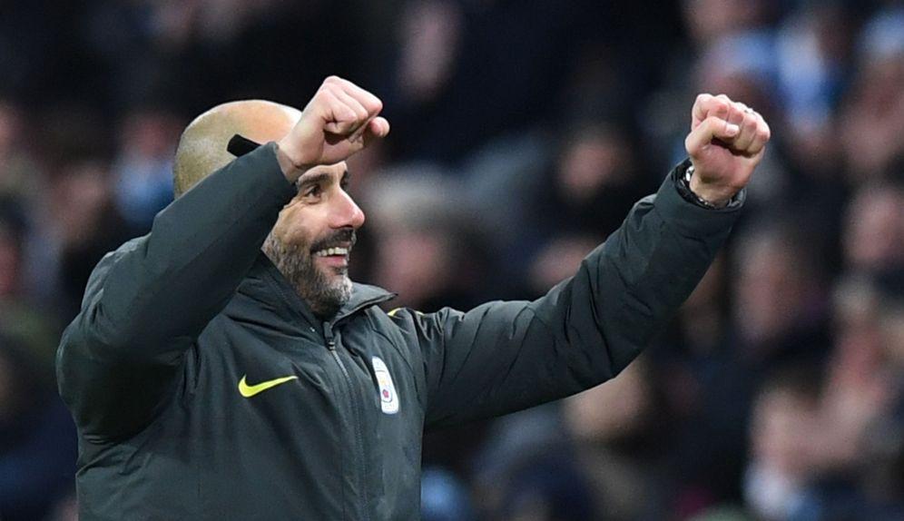 Foto: Pep Guardiola celebra el sufrido triunfo de su Manchester City (Reuters)