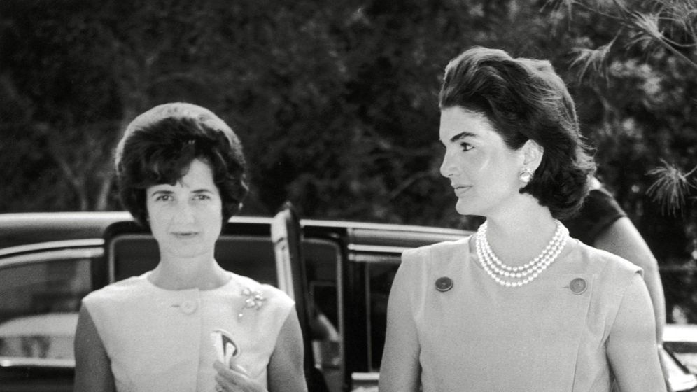 Foto: Jayne, junto a Jackie Kennedy. (Cordon Press)