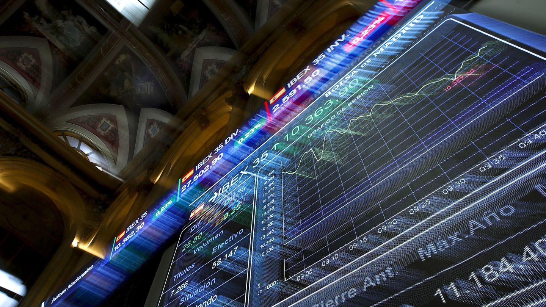 Panel informativo de la Bolsa de Madrid. (EFE)