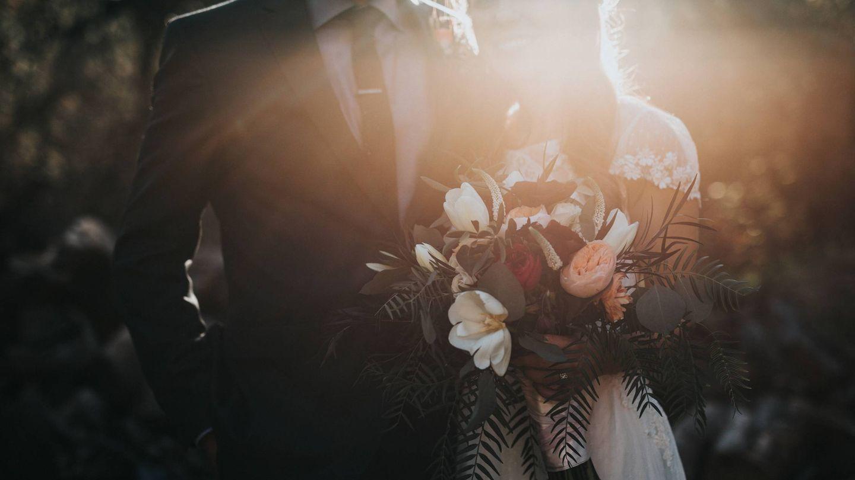 Pros y contras de las bodas de otoño. (Nathan Dumlao para Unsplash)