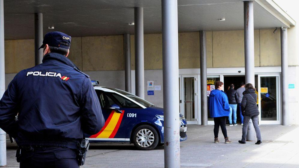 Foto: Agentes de la Policía Nacional, en una imagen de archivo. (EFE)