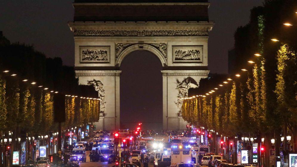 Foto: Todas las imágenes del tiroteo en los Campos Elíseos de París