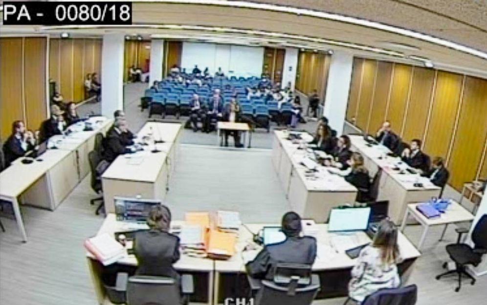 Foto: La ex secretaria general del PP María Dolores de Cospedal declara en el juicio de los ordenadores de Bárcenas. (Foto: El Confidencial)