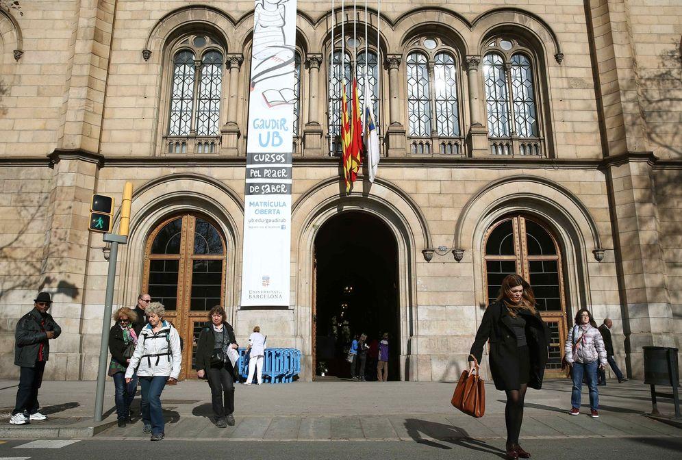 Foto: Fachada del edificio histórico de la Universidad de Barcelona. (EFE)