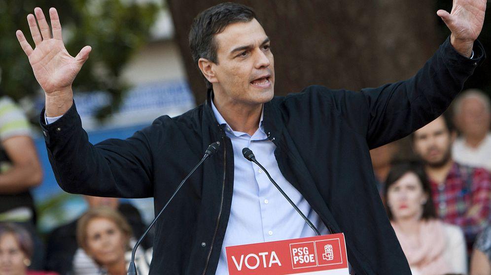 Foto: El secretario general del PSOE, Pedro Sanchez, durante un mitin de su partido en la Alameda de Redondela, Pontevedra. (EFE)