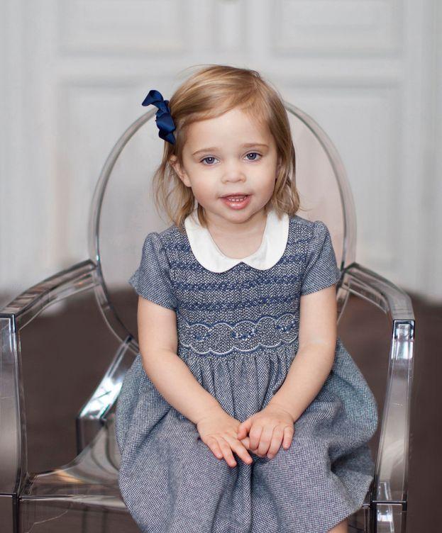 Foto: La princesa Leonore posando para las fotografías de su segundo cumpleaños (Kungahuset)