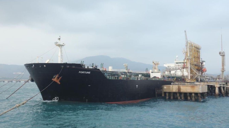 Un petrolero abandonado con un millón de barriles podría explotar en el mar Rojo