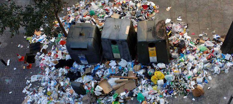 Foto: Contenedores durante la huelga de basuras de Madrid