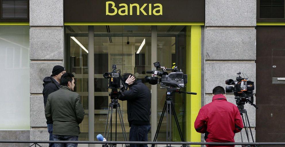 Ruz envía a la Policía a la sede de Bankia para requerirle documentos sobre operaciones de Rosalía Iglesias.