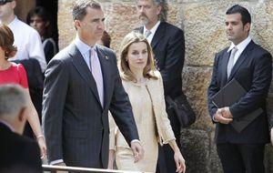 Foto: Los príncipes visitan el monasterio de Leyre