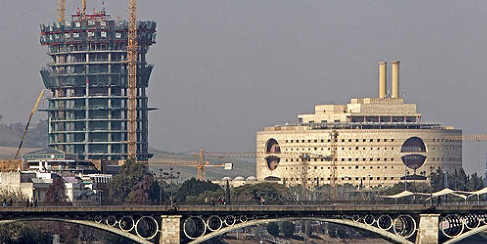 El megaproyecto de la torre pelli aumenta el n mero de for Oficinas cajasol sevilla