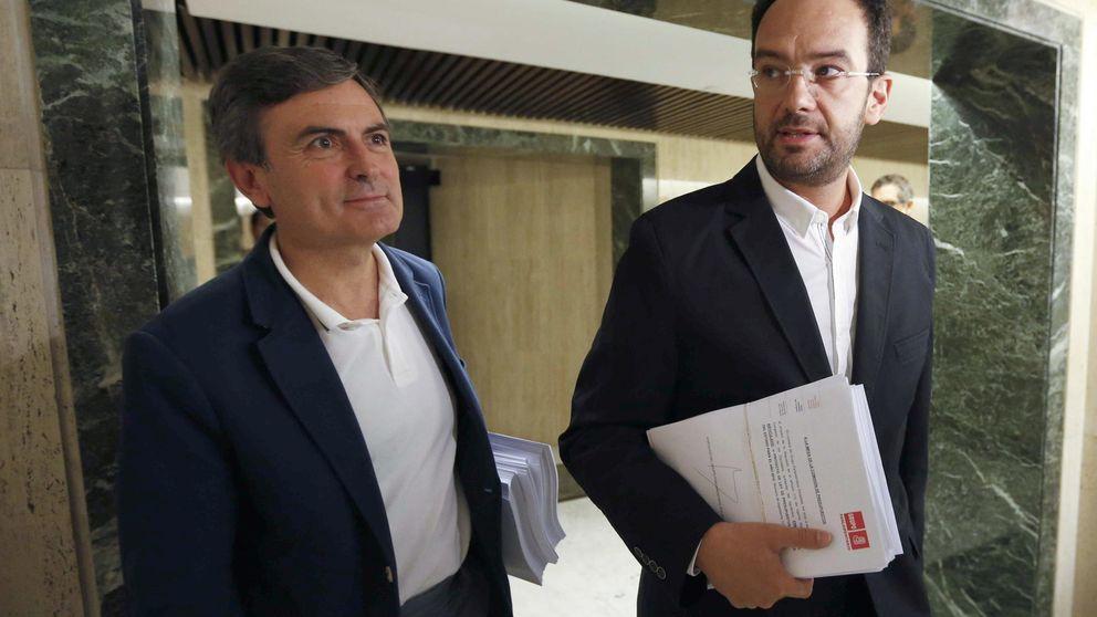 El PSOE propone subir el IRPF y que las empresas tributen como mínimo al 15%