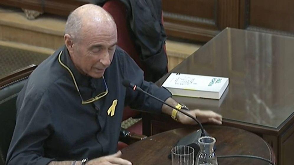 Foto: El cantautor y exdiputado Lluís Llach declara como testigo en el Tribunal Supremo.