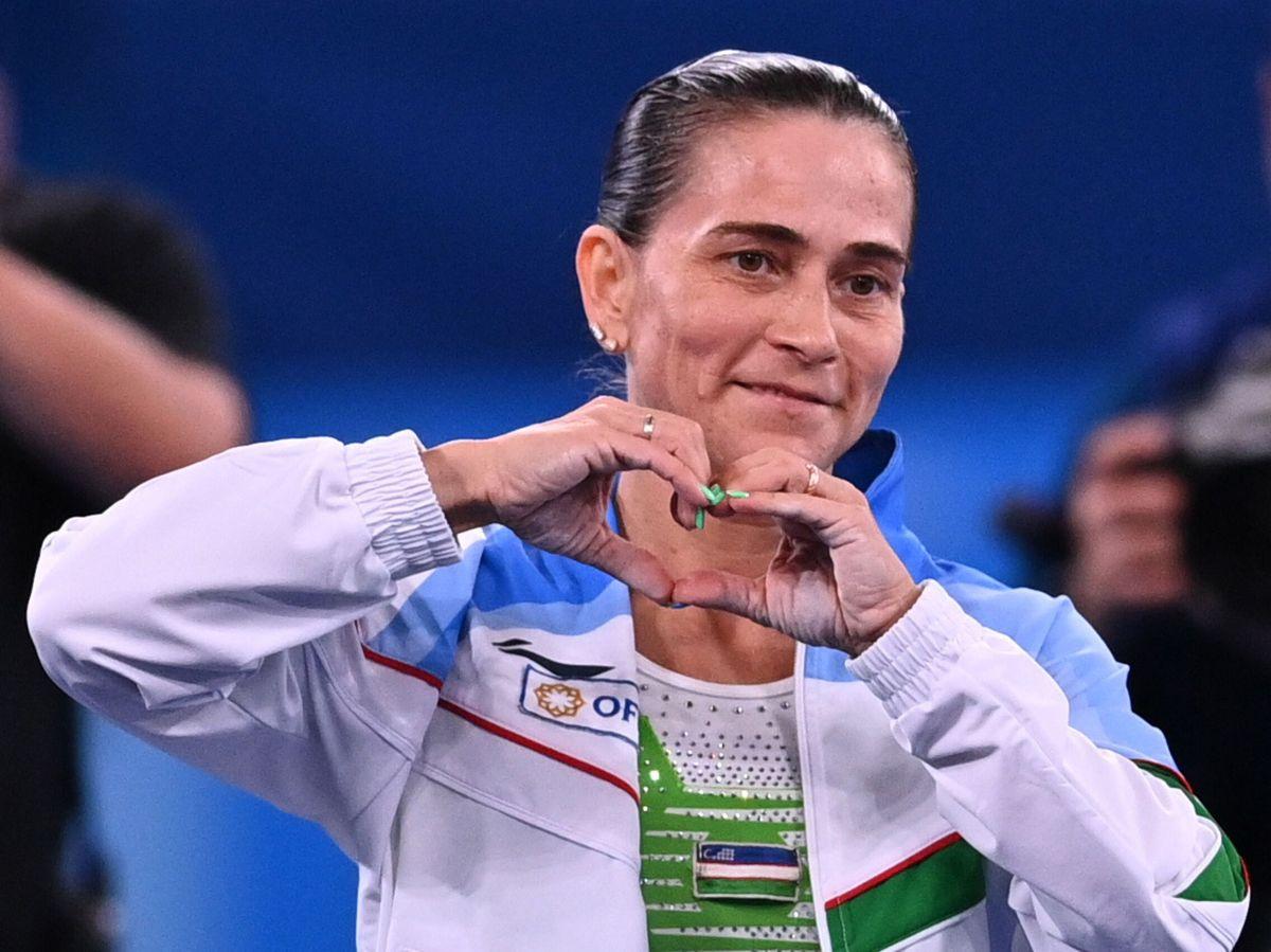 Foto: La gimnasta uzbeka Oksana Chusovitina se despide del deporte en Tokio a los 46 años (Reuters)