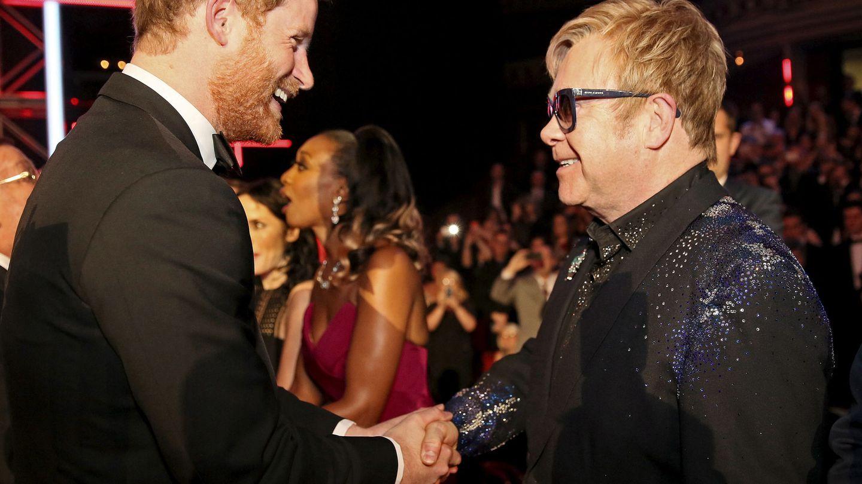 El príncipe Harry y Elton John en una imagen de archivo. (Reuters)