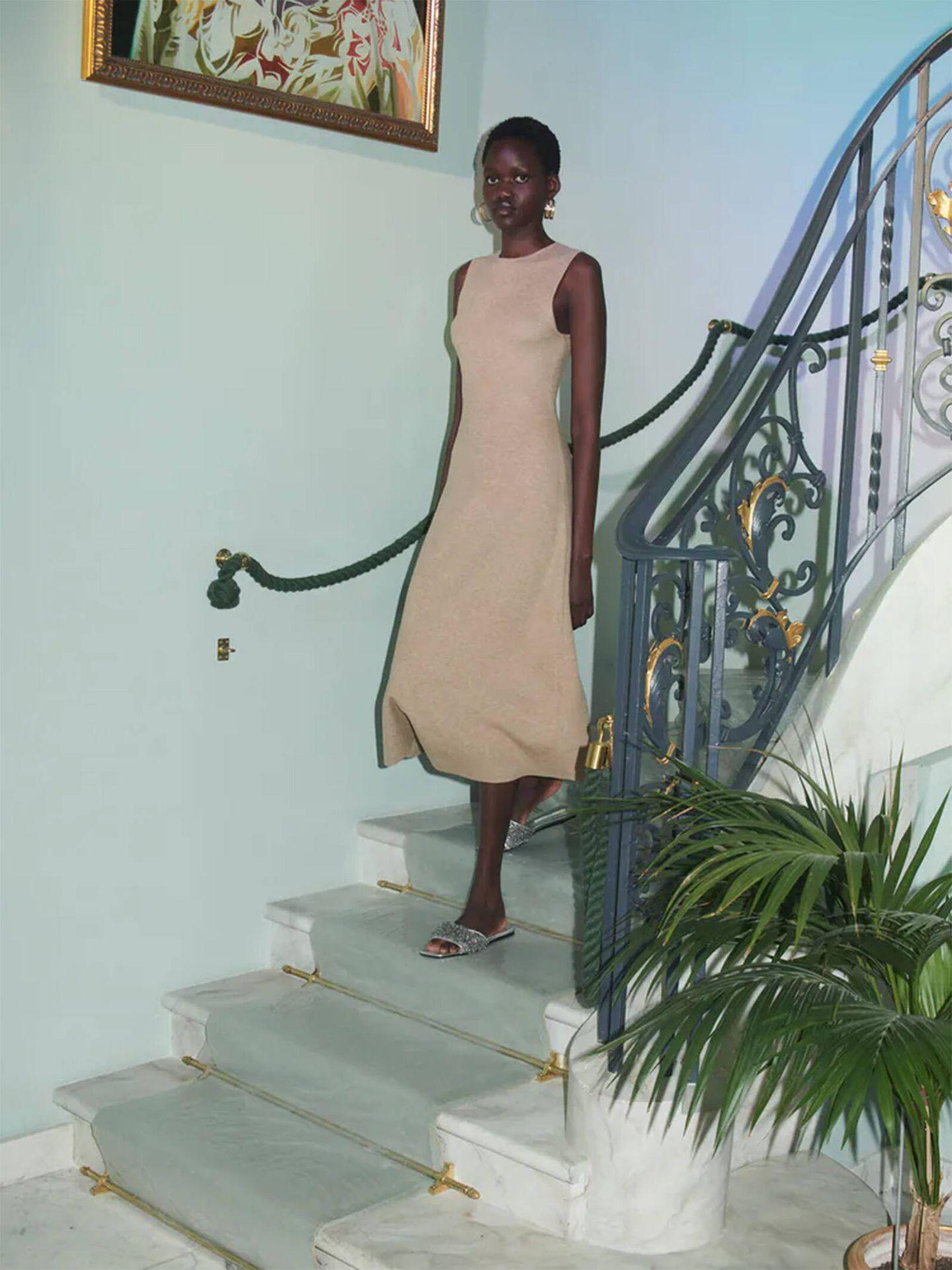 El vestido ideal para una fiesta de las novedades de Zara. (Cortesía)