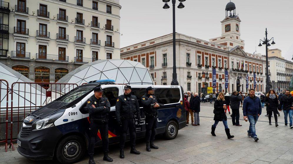 Foto: Un grupo de agentes de Policía. (EFE)