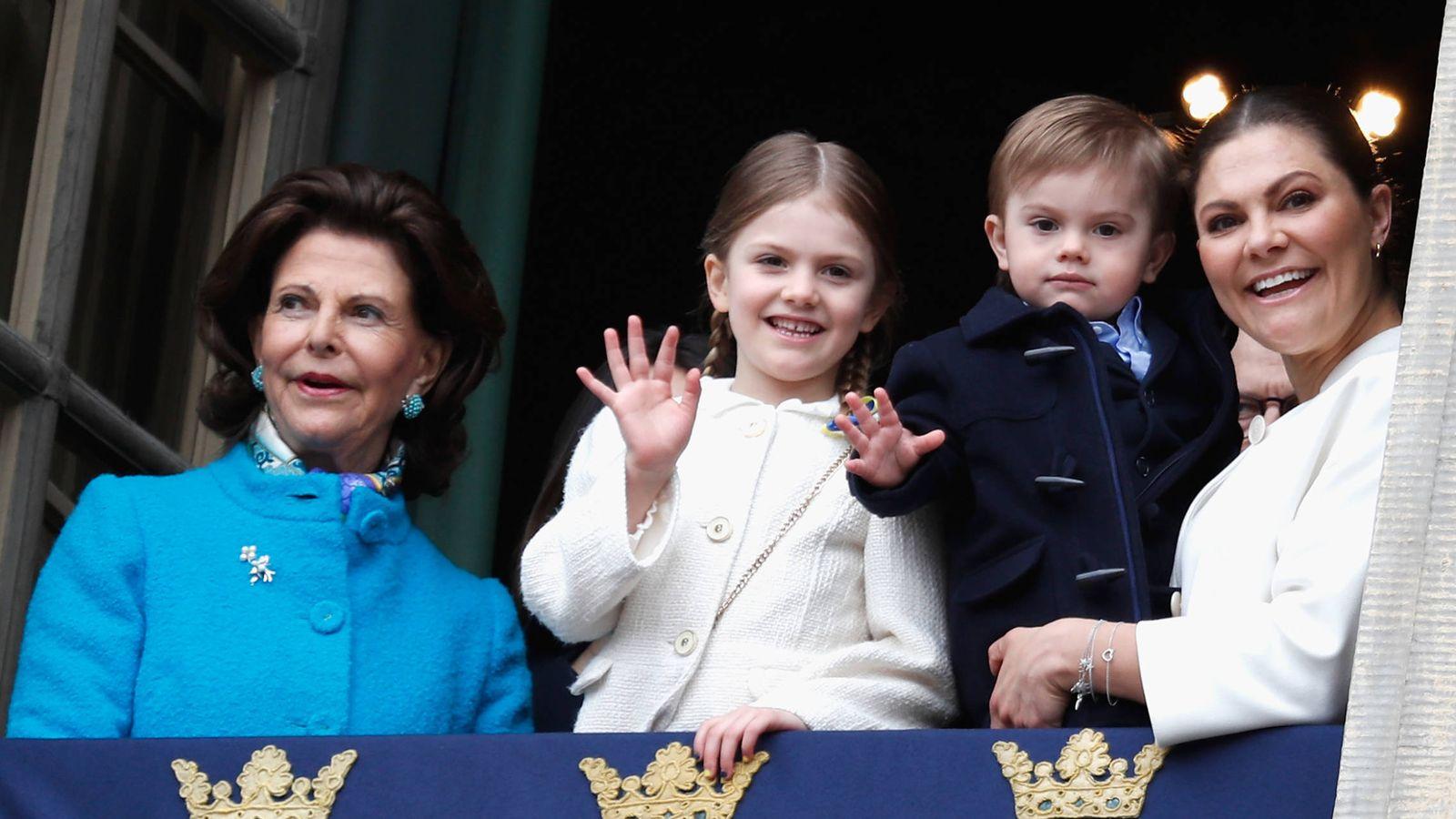 Foto: La princesa Victoria con Estelle y Oscar. (Getty Images)