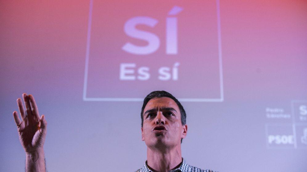 Foto: Pedro Sánchez, durante el encuentro con militantes en Ourense de este 15 de marzo. (EFE)