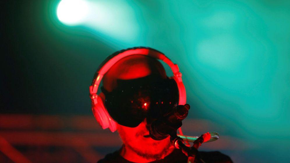 Foto: El cantante, compositor y DJ del grupo de electropop 'La Casa Azul', Guille Milkyway