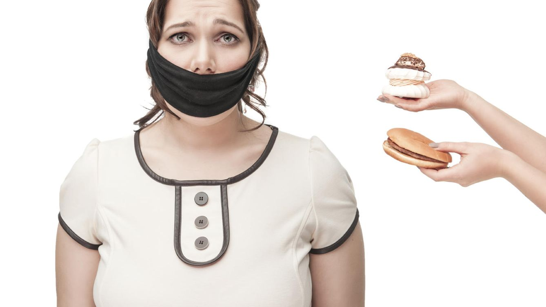 Foto: ¿De verdad adelgaza y mejora la salud dejar de comer durante cinco días? Los expertos dan su opinión, y no están tan seguros. (iStock)
