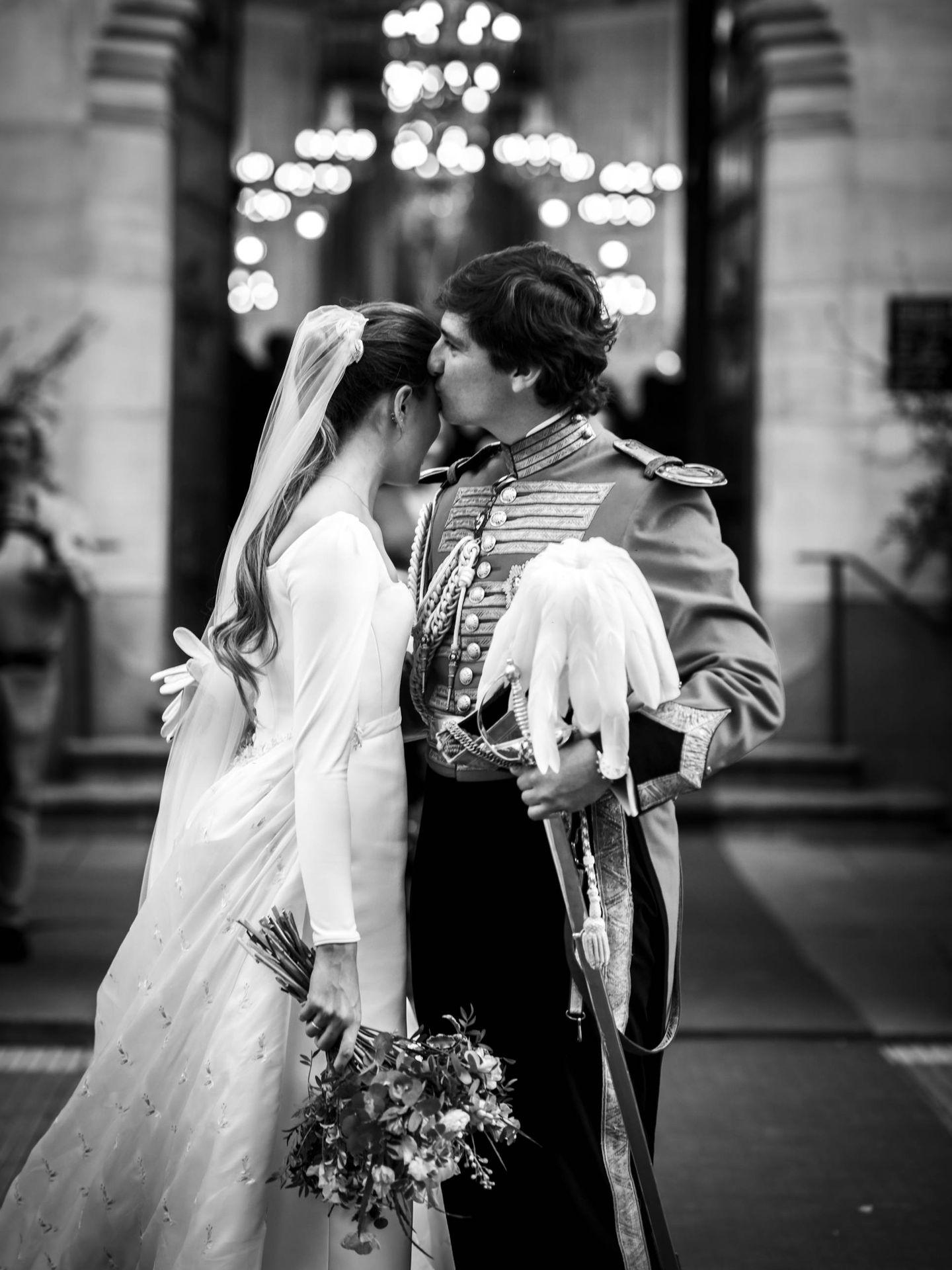 El beso tras el 'sí, quiero'. (Foto: Liven Photography)