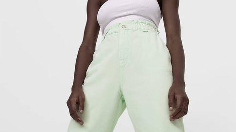 Los pantalones que alargan piernas y potencian curvas están en Stradivarius