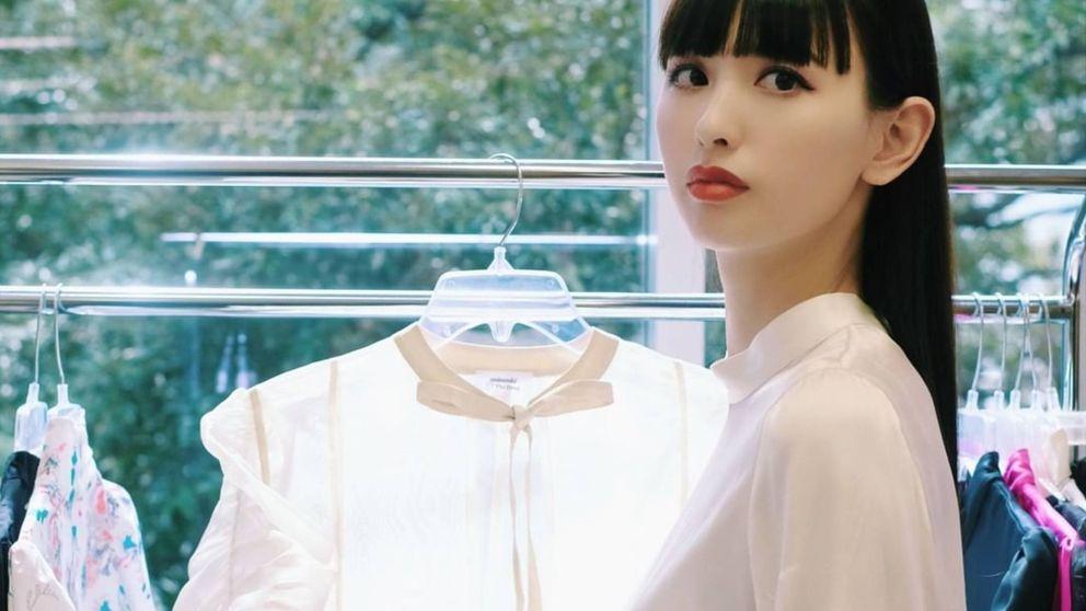 Emi Suzuki, la influencer que ha revolucionado Amazon con su vestido
