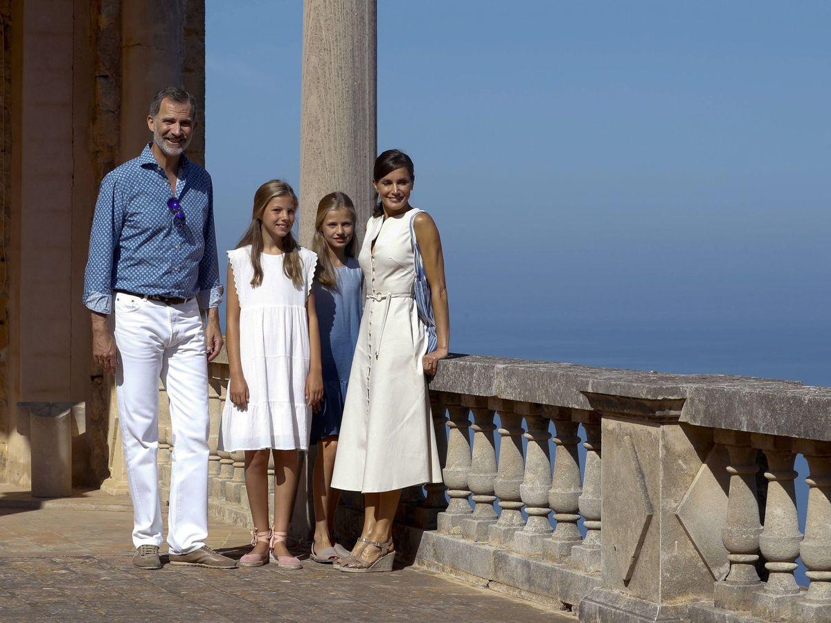 Foto: La familia real, visitando Son Marroig en 2019. (EFE)