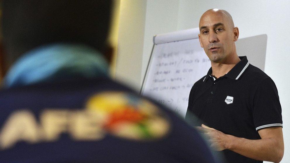 Luis Rubiales abandona la AFE para preparar el asalto al sillón de Villar