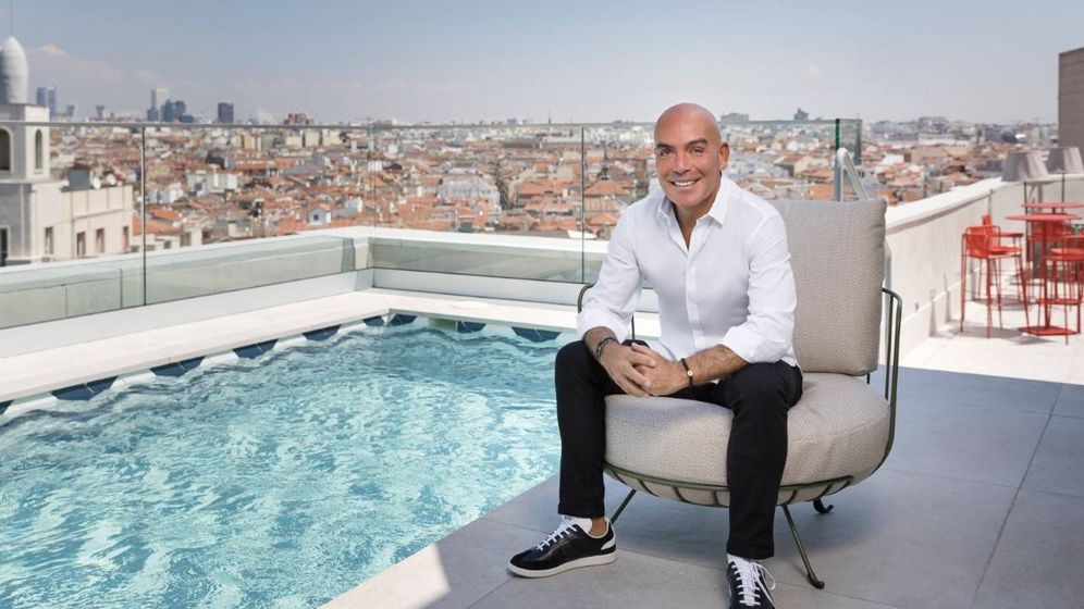 Foto: Kike Sarasola, en la terraza del Room Mate Macarena.