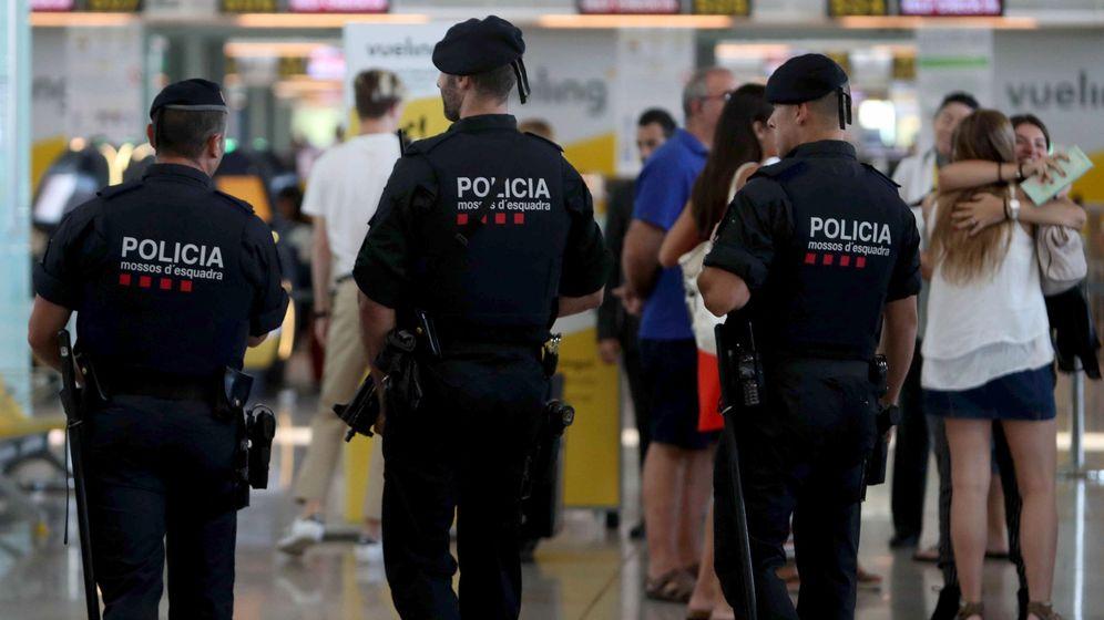 Foto: El conflicto de Barcelona-El Prat ya dura casi un mes. (EFE)