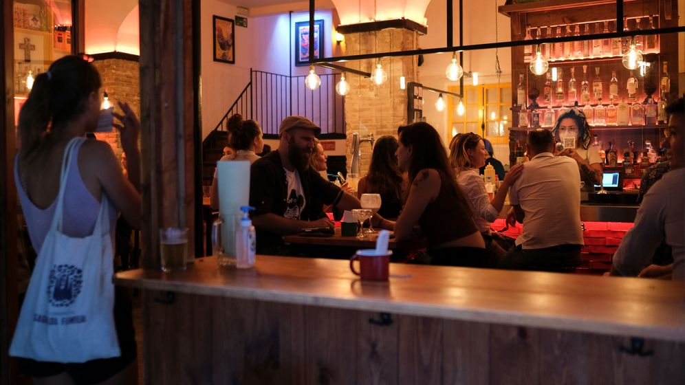 Foto: Bar en Barcelona (Reuters)