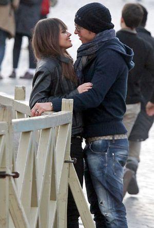 Sergio Ramos arropa a Lara Álvarez en su estreno en Qatar