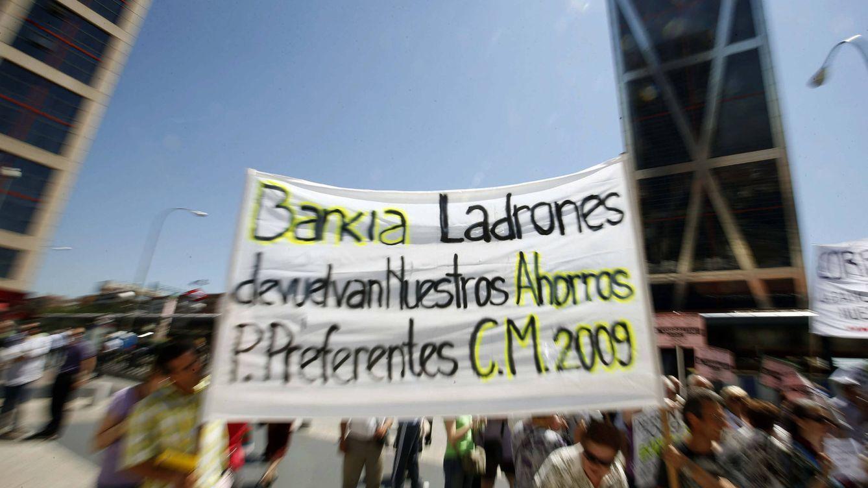 Foto: Protesta por la comercializacion de preferentes. (EFE)