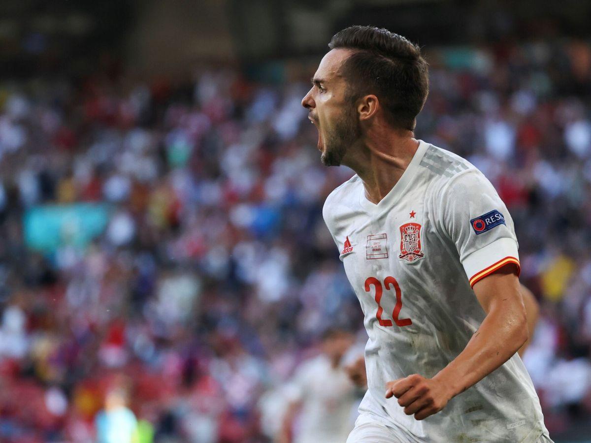Foto: Pablo Sarabia celebra el primer gol de España a Croacia. (Efe)