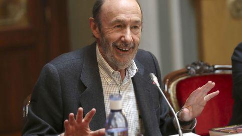 'El País' da un vuelco a su consejo editorial tras sacar a Rubalcaba y al resto de externos