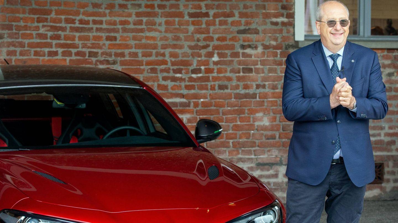 Imparato opina que Alfa Romeo debe seguir contando con un sedán como el Giulia. Ya desde su etapa en Peugeot, el directivo francés confía en un renacimiento de ese segmento de mercado.